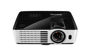 BenQ TH682ST: Kurzdistanz-Projektor zum Gamen und Filmschauen in kleinen Räumen